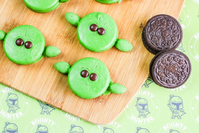 Turn your May the Fourth Celebration into an Epic Star Wars Party with these cute and fun Baby Yoda Oreos. Follow these simple instructions to create yours!