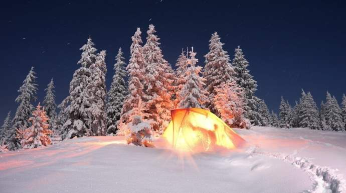 How to Stay Warm in a Tent 1
