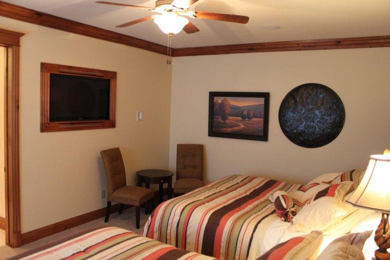 "Suite #5 with 42"" Flatscreen TV"