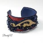 bracelet brodé cuir de crocodile rouge_BearlyN