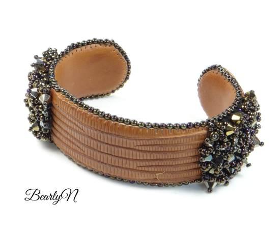 bracelet cuir de lézard marron, brodé de cristaux de Swarovski_BearlyN