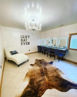 Bridal suite dressing room