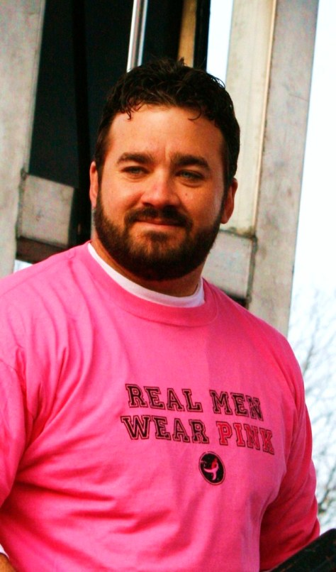 Jeff Saturday Real Men Wear Pink 01