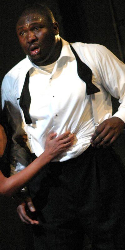 nonso-anozie-as-othello-01.jpg