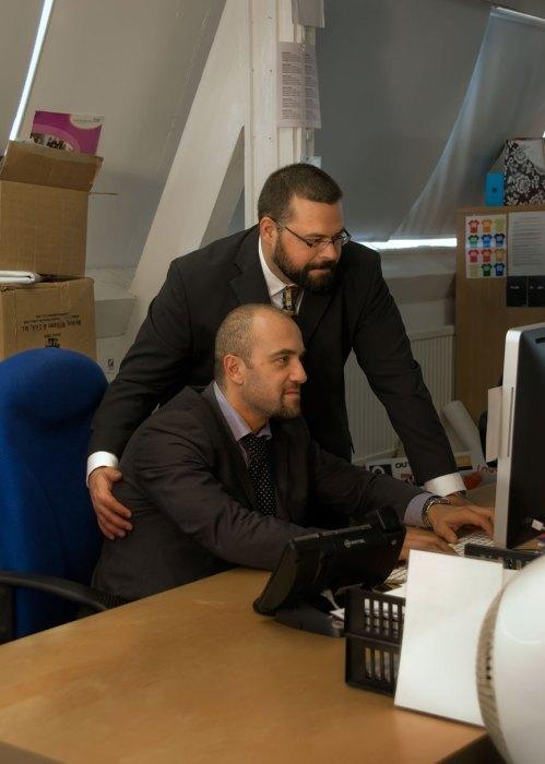 office-britains-next-bear-model-004