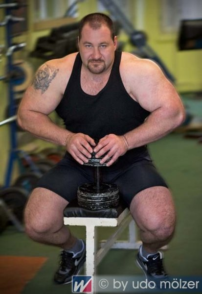 Handsome Strongman 03