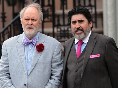 Queerty Bear-baits John Lithgow