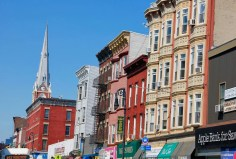 Greenpoint, NY - by Caminando por NY - be artist be art