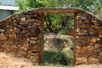 11 Oligaun Beautiful door close to school