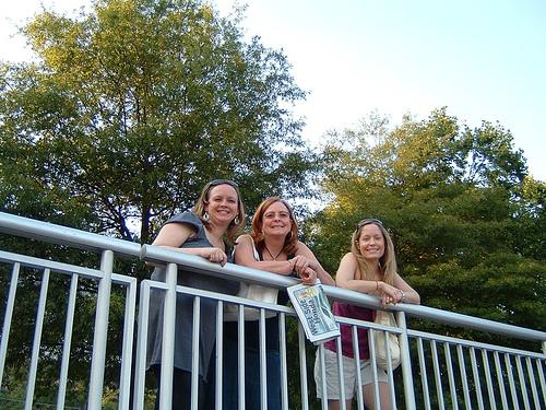 Christine, Mom & Courtney @ Calhoun's, Knoxville
