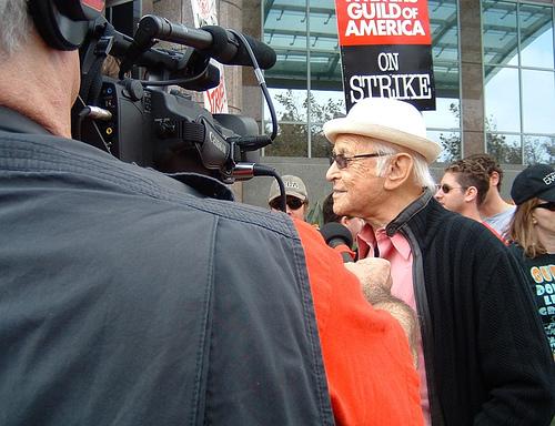 TV legend Norman Lear meets the press @ the WGA unity rally outside FOX Studios (Nov. 9, 2007)