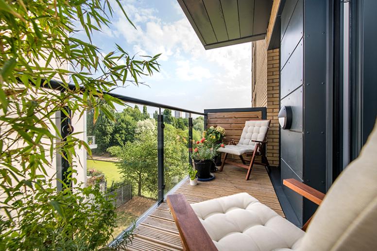Titanium Point Balcony-property-east-london