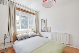 houseforsale_eastlondon_bedroom