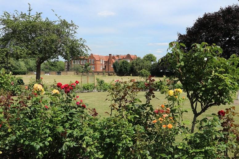 property_oftheweek_eastlondon_gardens