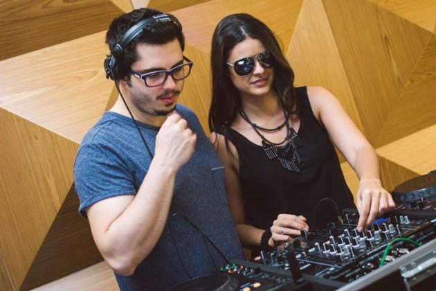 Casais DJs Anna & Wehbba