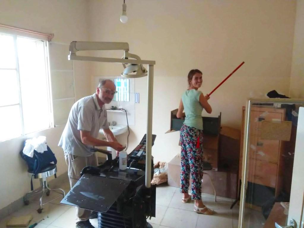 Démontage de l\\\'ancien fauteuil de dentiste et travaux dans le futur cabinet