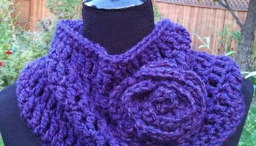 Soft and Stylish Cowl…  Free Crochet Pattern!