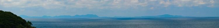遠くに五島列島