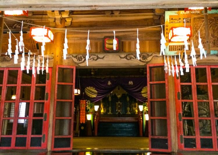 宝光社 社殿