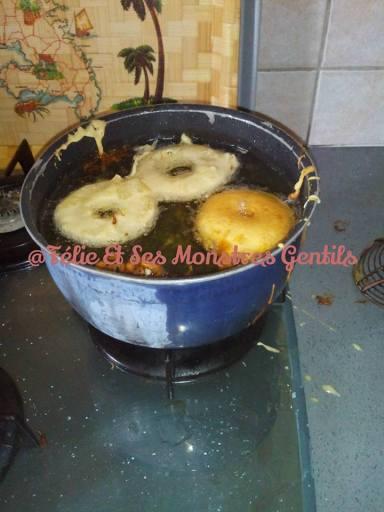 beignets aux pommes ou beignets à l'ananas