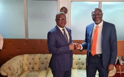 Cameroun : le Pr Philémon Zoo Zame demande à Patrick Benon d'améliorer la qualité des services d'Orange