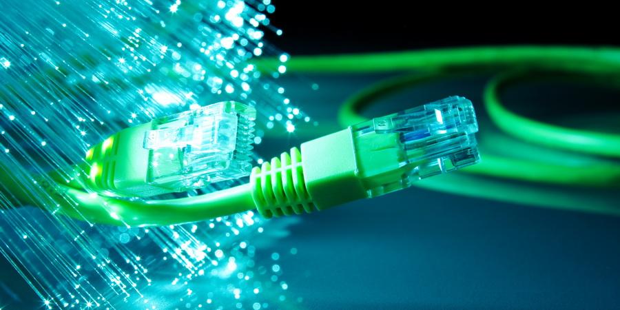 fibre-optique-:-la-rdc-se-relie-a-l'angola-via-un-cable-de-600-km