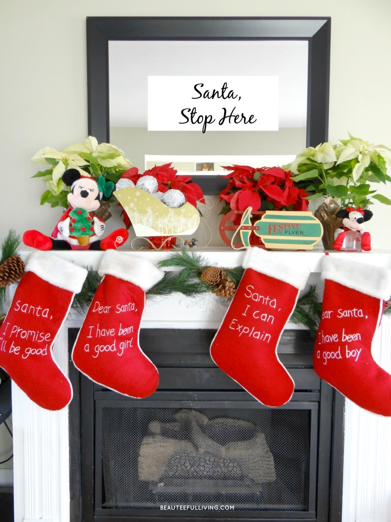 Christmas Fireplace - Beauteeful Living