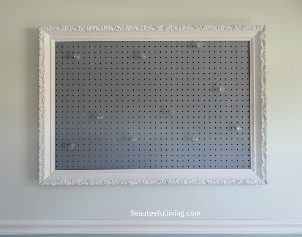 Picture frame pegboard - Beauteeful Living