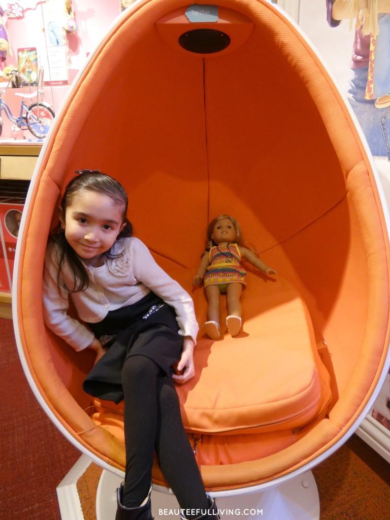 Lauren in Eggchair