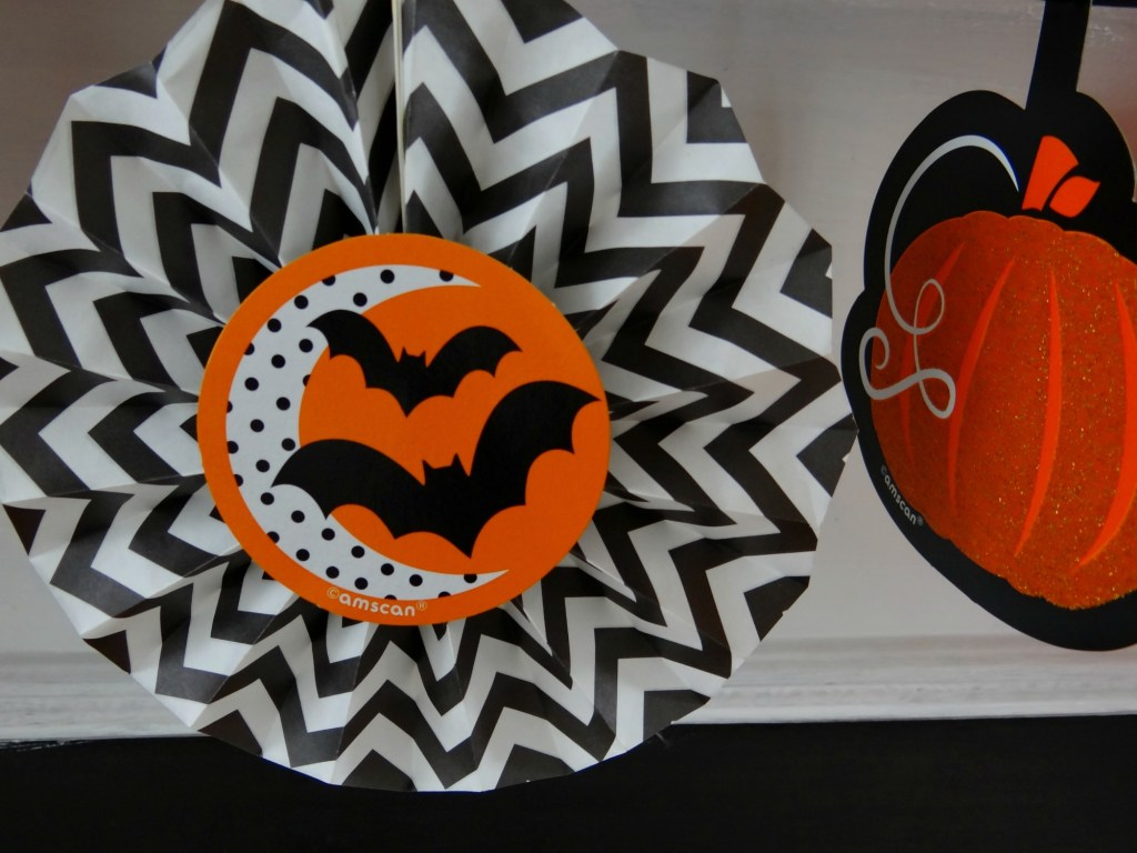 halloween-fan-garland-from-party-city