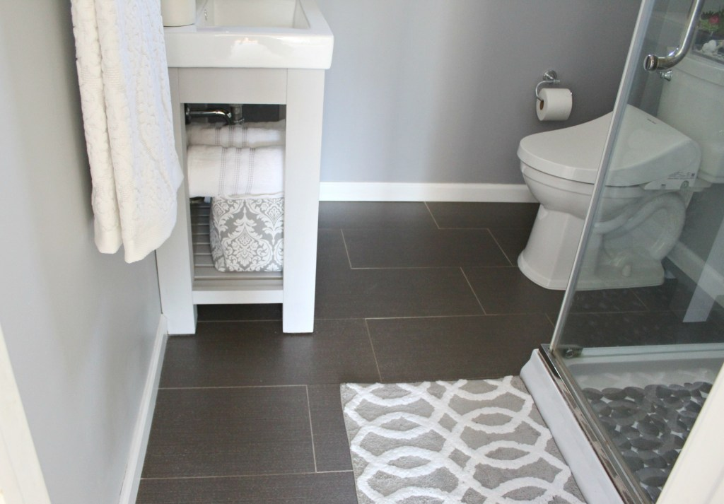 Gray bathroom tiles - Beauteeful Living