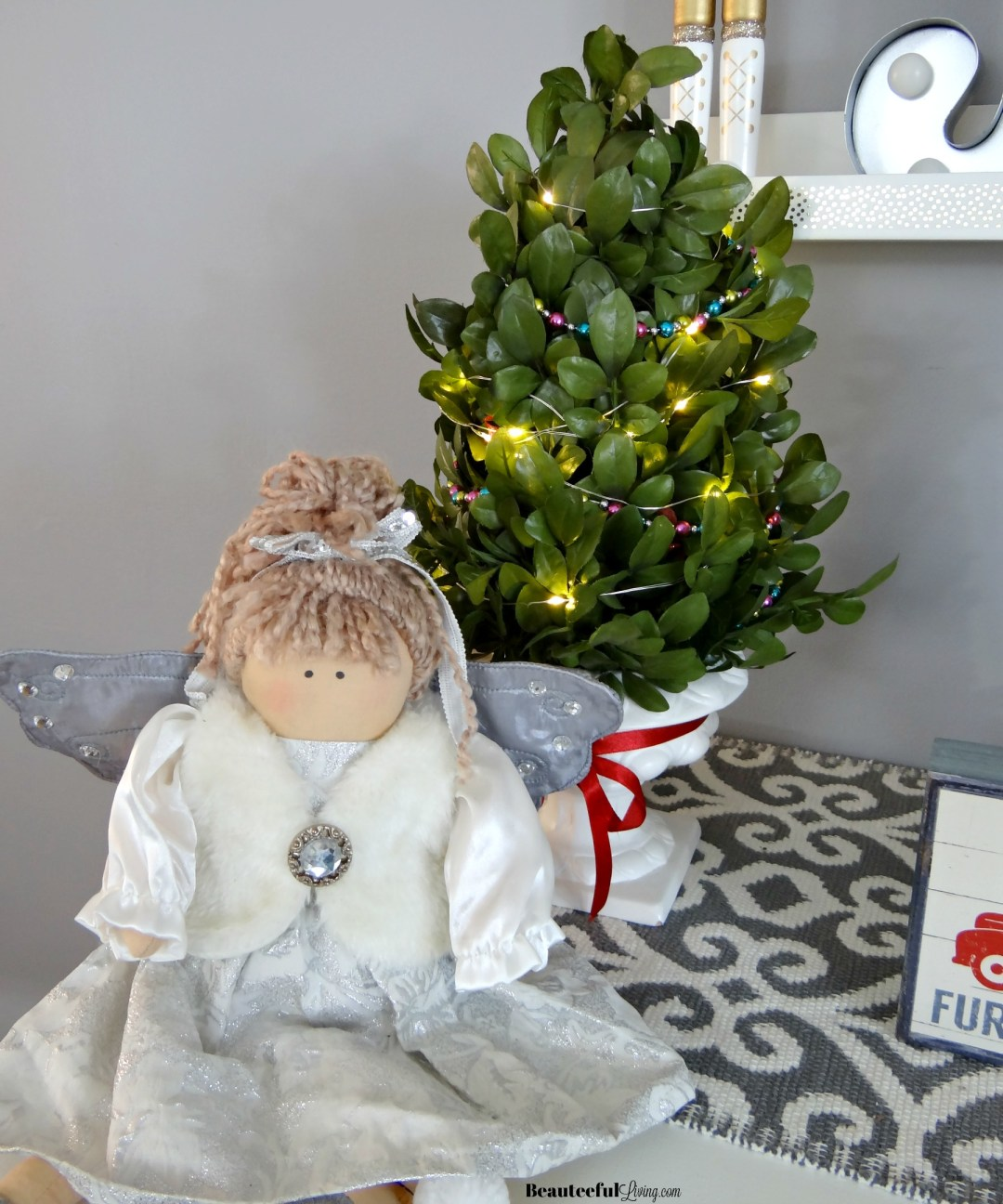 Glam Christmas Console Table Decor - Beauteeful Living