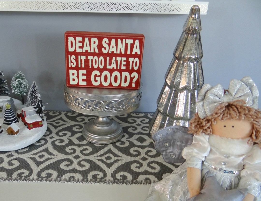 Holiday Console Table Decor - Beauteeful Living