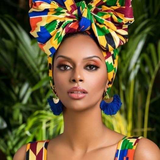 Inscrivez-vous sur site, si vous êtes une beauté noire et si vous voulez mettre en avant vos compétences tournées vers la culture Afro-caribéenne,. Ou si vous voulez simplement nous raconter votre histoire, nous parler de vos centres d'intérêts ou de vos passions et savoir-faire !