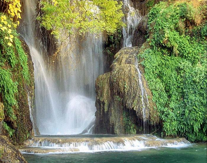 https://i2.wp.com/beautiful-island.50webs.com/beautiful-island/beautiful-waterfalls.jpg