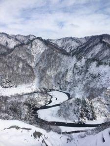 IMG 5454 e1465473665217 225x300 - シーズン早くから滑れる奥只見スキー場