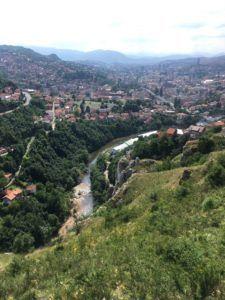 img 3506 225x300 - ボスニア・ヘルツェゴビナの首都サラエボdeドライブ