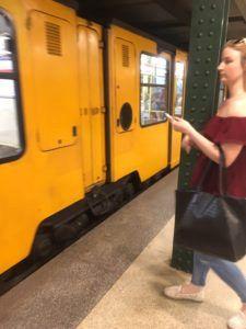 img 3719 225x300 - [:ja]北朝鮮の地下鉄に乗るならハンガリーの首都ブダぺストへ[:en]北朝鮮[:]