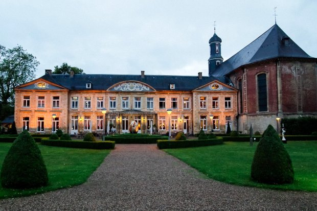 moniquedecaro-moniquedecaro_chateaustgerlach