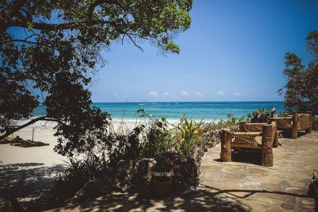moniquedecaro-kenya-chale-island-025
