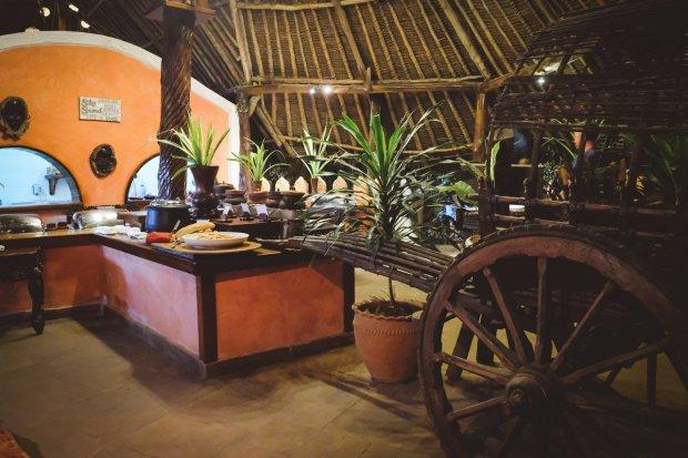 moniquedecaro-kenya-chale-island-075