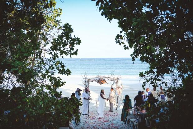 moniquedecaro-kenya-chale-island-115