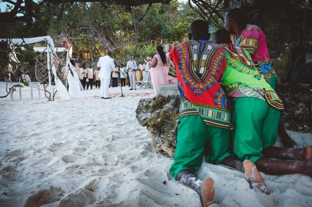 moniquedecaro-kenya-chale-island-116