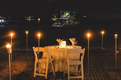 moniquedecaro-couples-tower-isle-3026