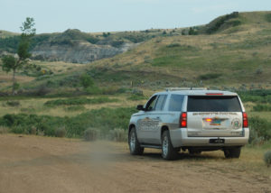 Billings County Sheriff stops traffic on the way to Magpie Campground