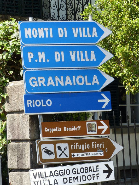 Ponte signs