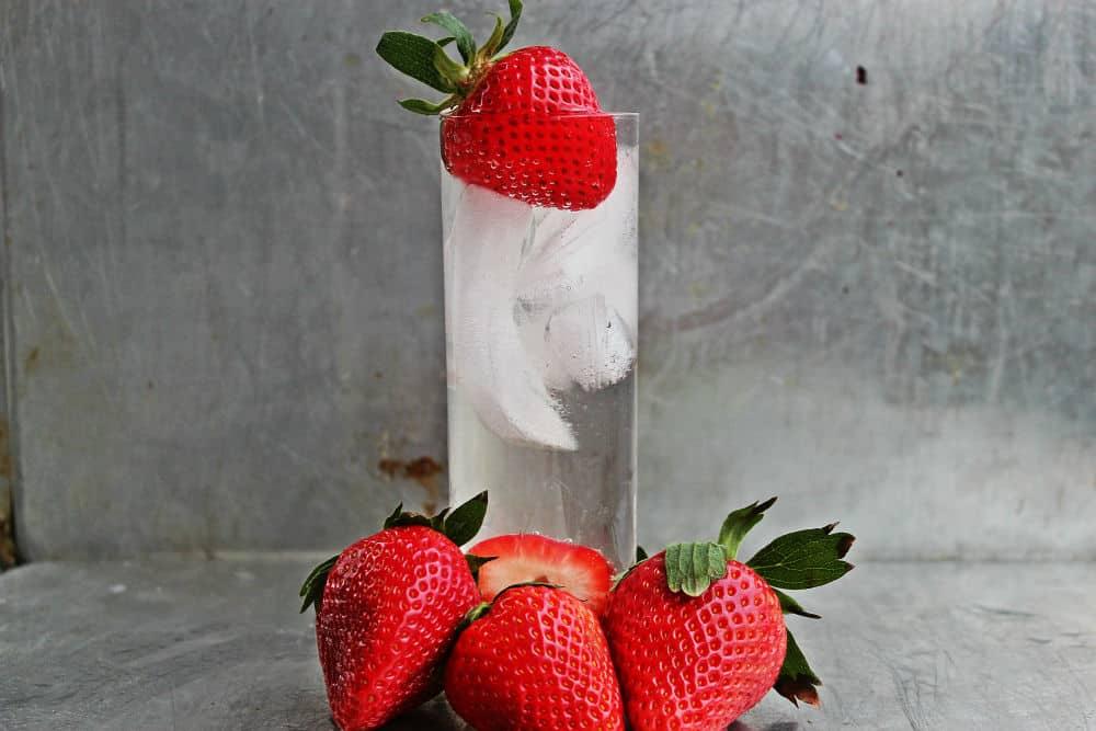 , Strawberry Gin Fizz