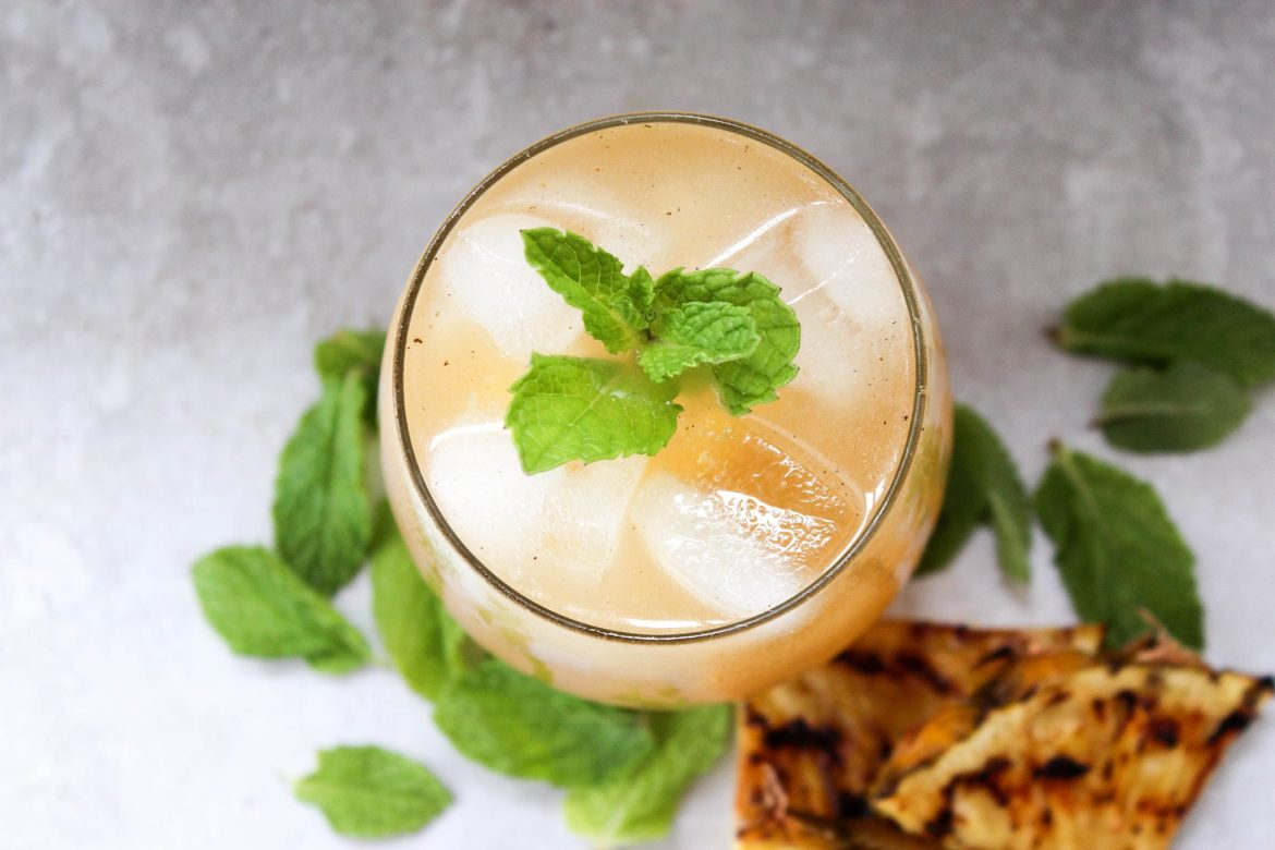 , Grilled Pineapple and Mint Tequila Lemonade