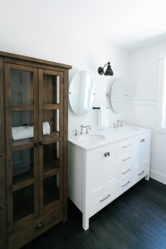 Kids' Bathroom Farmhouse Style Renovation