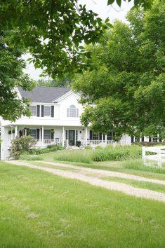 modern farmhouse exterior minnesota